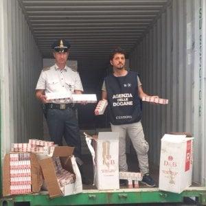 Bari, sequestrate al porto 11 tonnellate di sigarette di contrabbando