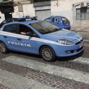 Foggia, tenta con un furgone di speronare l'auto della polizia: arrestato 32enne