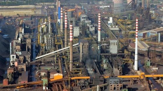 Ilva, ArcelorMittal presenta bozza accordo: 10.300 assunti entro il 2021