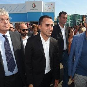 """Bari, il ministro Di Maio alla Fiera del Levante: """"Taranto un deserto, porterò investitori"""""""