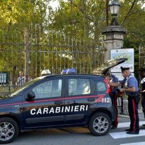 Taranto, deteneva illegalmente pistola sotto il cuscino: arrestato il titolare di un b&b