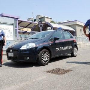 Lecce, svegliano la vittima per farsi aprire la cassaforte: ladri in fuga dopo una colluttazione