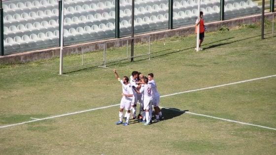 Serie D, il Bari è di un altro pianeta: sbanca Messina (0-3) e lascia il campo sotto scorta