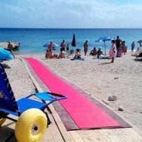 Disabili, in Puglia spiagge più accessibili per legge: