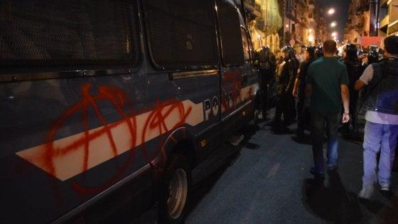 """Bari, aggressione squadrista dopo il corteo antirazzista: 8 identificati. """"Sciogliere i partiti neofascisti"""""""