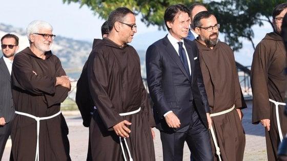 """Il premier Conte difende Casalino: """"Mi fido di lui&quot"""
