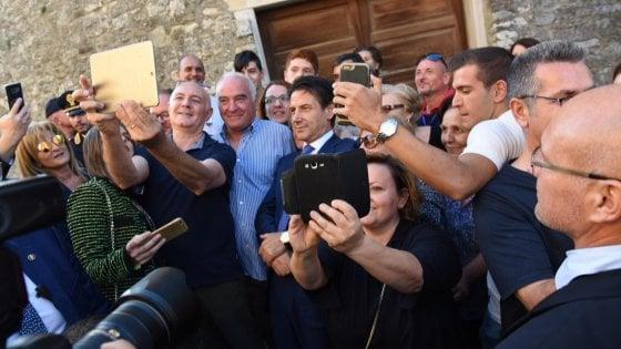 Il premier Conte torna a Volturara Appula, festa nel paese n