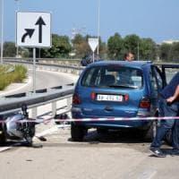 Bari, agguato in strada contro due fratelli in moto: muore 24enne, l'altro