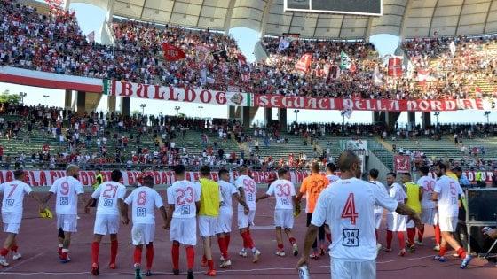 Derby di Coppa Italia Bari-Bitonto, torna la fila per i biglietti. Per i biancorossi tifosi di un'altra categoria