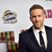 Cinema, Ryan Reynolds a Taranto con il regista di 'Transformers': ciak per 'Six underground'