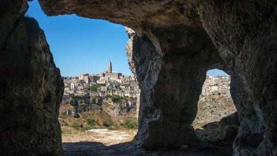 Dreamland a Matera, spettacoli di maschere, bande e luci per animare i Sassi
