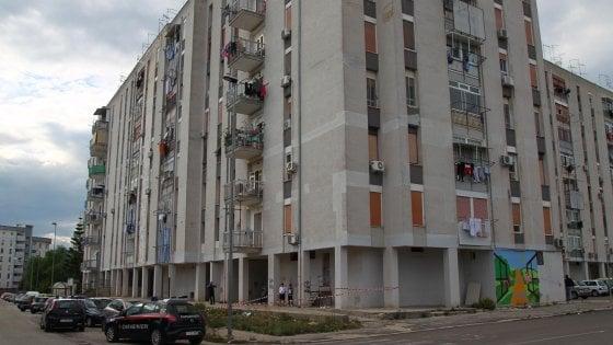 Taranto, lancia la figlia di 6 anni dal terzo piano: arrestato 49enne che aveva perso la potestà genitoriale