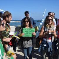 Bari, i precari della sanità manifestano sotto la Regione: