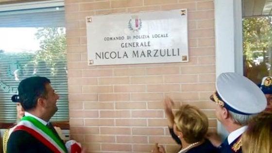 """Bari, la sede del comando dei vigili dedicata all'ex comandante Marzulli: """"Un galantuomo"""""""