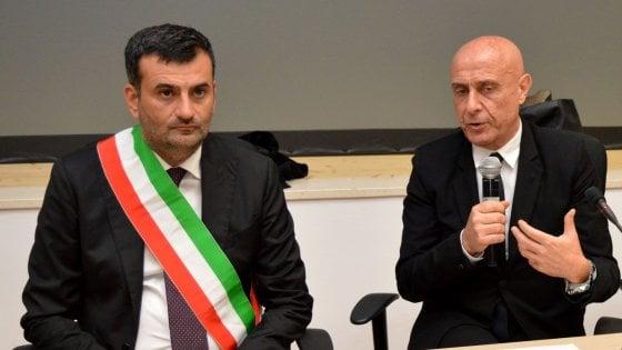 Politica, il sindaco di Bari Antonio Decaro punta su Marco Minniti alla guida del Partito democratico