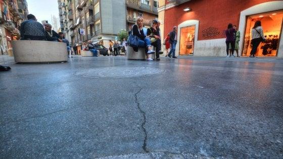 """Bari, la pavimentazione di via Sparano sarà rifatta: """"Quelle crepe sono dovute alla fretta"""""""