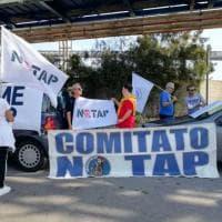 """Tap, manifestazione al porto di Brindisi: """"Questa nave non avrà vita facile"""""""