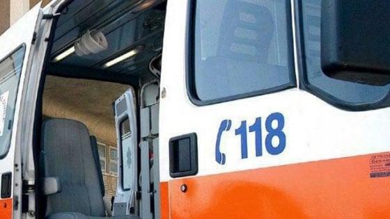 Foggia, ambulanza tarda ad arrivare: dottoressa del 118 presa a schiaffi mentre soccorre un ferito
