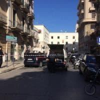 Bari, senzatetto abbandona valigia per strada: scatta l'allarme bomba ma era piena di vestiti