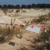 Taranto, piantagione di ulivi trasformata in discarica: sigilli a un'area