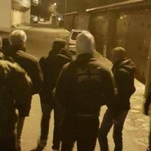 """Brindisi, 2 migranti denunciano: """"Feriti con la mazza d"""