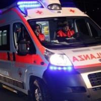 Bari, scontro tra uno scooter e un auto in via Brigata Regina: muore un