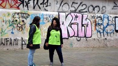 """Bari, l'esercito dei volontari a scuola: """"Così  difendiamo i nostri bambini dal bullismo"""""""