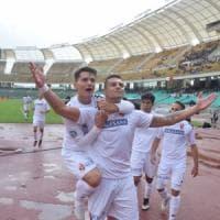 Calcio, il Bari torna a dominare: il 3-0 sul Locri al San Nicola è il quarto