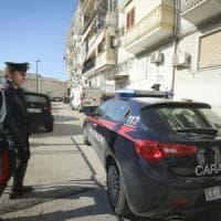 Lecce, accoltella in strada la sua compagna accusandola di avere un amante: grave 28enne