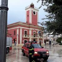 Palagiano, il fulmine colpisce la torre del municipio: rimosso l'orologio