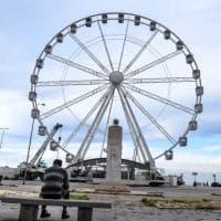 Bari, torna la ruota panoramica sul lungomare: pronta per il primo giro