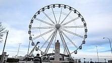 Bari, la ruota panoramica    pronta per il primo giro
