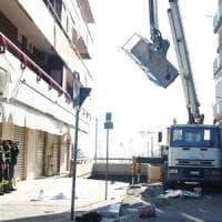 Taranto, muoiono due operai edili precipitando da una gru: non indossavano