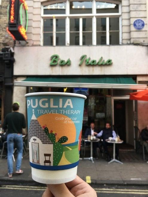 Turismo, la Puglia su una tazza di caffè a Londra: la campagna di comunicazione è al bar