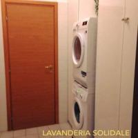 Bari, lavanderia solidale nella parrocchia di San Sabino: doccia e abiti puliti per tutti
