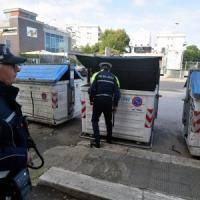Bari, una bomba a mano dell'Esercito sotto un cassonetto di via Amendola