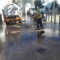 Bari, arrivano le squadre speciali dell'Amiu per la pulizia del centro: