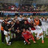 Calcio, il Bari sfonda in extremis il bunker della Palmese: 1-0, la Turris