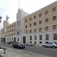 Conflitto d'interessi, la Regione Puglia pagò la metà della parcella al figlio del supermanager
