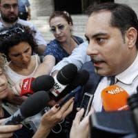 Taranto, il sindaco Melucci ritira le dimissioni: in 17 firmano un documento