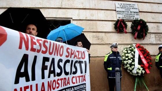 """Benny Petrone, Bari ricorda il 18enne ucciso nel '77. Il sindaco Decaro: """"Chiudere le sedi fasciste"""""""
