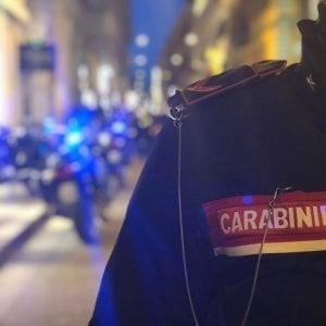 Foggia, salvata dai carabinieri mentre il suo ex tenta di strangolarla: arrestato l'uomo