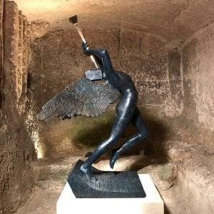 Matera, l'omaggio a Dalì tra i Sassi e le chiese rupestri: in mostra oltre 200 opere