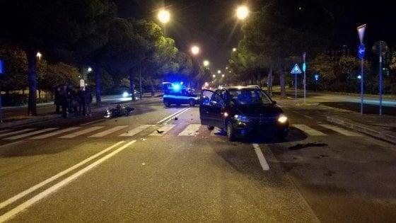 Bari, 19enne in scooter muore dopo lo scontro con un'auto: stava consegnando pizze a domicilio
