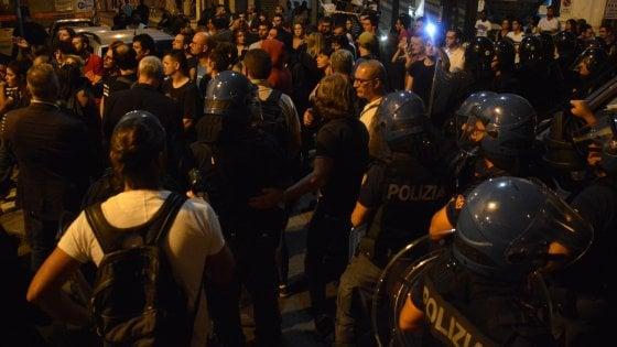 Estrema destra, chiusa la sede di Casapound a Bari: 35 indag