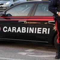 Taranto, non si ferma all'alt e tenta di investire i carabinieri: arrestato