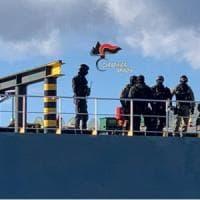 Brindisi, teste di cuoio su una nave battente bandiera panamense: inchiesta
