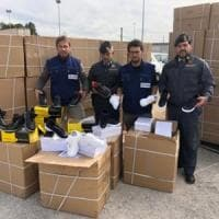 Bari, oltre 4.800 paia di scarpe Fila contraffatte: maxi sequestro al porto di un carico dalla Grecia