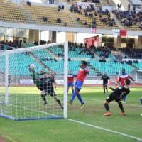 Calcio, il Bari vince anche senza dare spettacolo: 1-0 al Troina dopo una partita di contenimento