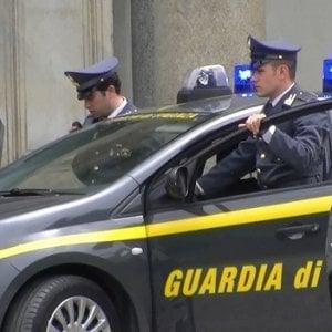 """Bari, traffico di droga e armi: 17 arresti. """"Usavano nomi ispirati a serie tv sul narcotraffico"""""""